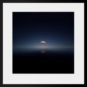 PHOTOBAY - une plume sur l'océan - Photographie