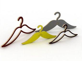 ESTAMPILLE 52 - cintre moustache évidée enfant noir - Cintre