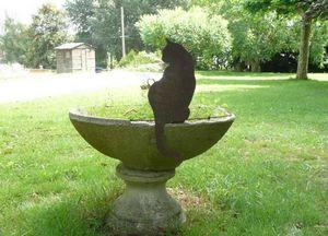 OKE DECORATION - chat assis en metal - Bain D'oiseau