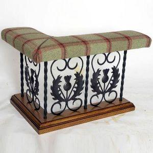 Clock House Furniture - thistle - Coin Du Feu