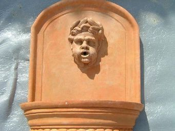 Ceramiques du Beaujolais -  - Fontaine Murale D'extérieur