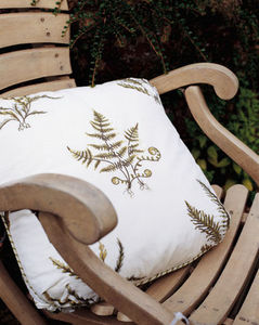 Colefax And Fowler -  - Coussin Carr�