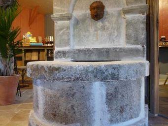 Bca Materiaux Anciens -  - Fontaine Murale D'extérieur