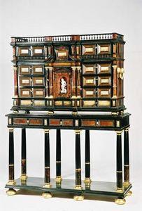 Antiquités Eric Bonneton - cabinet florence 17° ébène ,écaille et calcite de - Cabinet