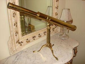 Serpentine Antiques -  - Télescope