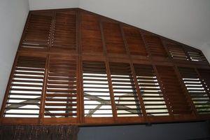 DECO SHUTTERS - shutters de formes sp�ciales - Volet Battant Persienne