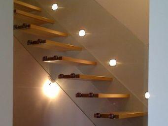 TRESCALINI - skystep : escalier droit en bois - Escalier Suspendu