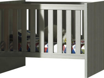 WHITE LABEL - lit b�b� 60x120 moderne et transformable coloris - Lit Pliant B�b�