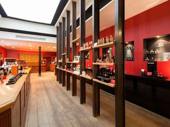 ROUGE ABSOLU -  - Agencement De Magasin