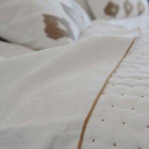 MAISON D'ETE - drap plat lin lavé blanc bourdon naturel - Drap De Lit