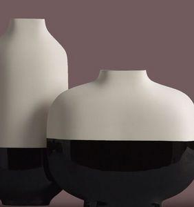 Kose -  - Vase Décoratif