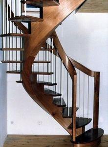 NT Designs - crémaillère centrale en orme - Escalier Hélicoïdal