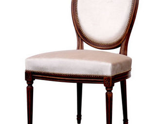 Gilles Nouailhac - chaise louis xvi m�daillon large - Chaise M�daillon