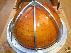 La Timonerie Antiquités marine - globe navisphere - Navisphère
