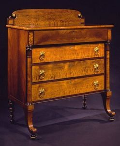 CARSWELL RUSH BERLIN - brass-mounted bird's eye maple bureau - Commode Scribanne