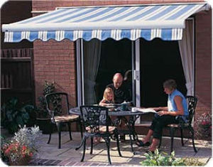 Whitehouse  Duncan Blinds - patio awnings - Store Banne