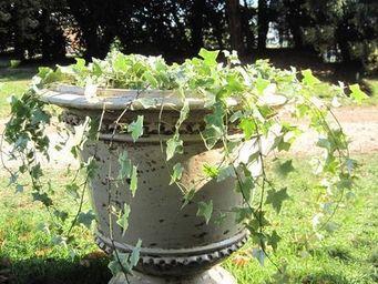PLANTERS-CONTACT-PROVENCE - vase classique medium ivoire ø 67cm, h60cm, 37kg - Pot De Fleur