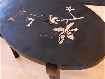 An Vert Du Design - table en fer forg�e pi�ce unique - Table Basse Ronde