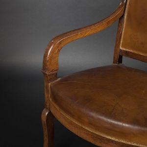 Expertissim - suite de quatre fauteuils en noyer - Fauteuil