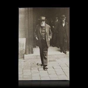 Expertissim - france anatole (1844-1924) à la sortie du palais m - Photographie