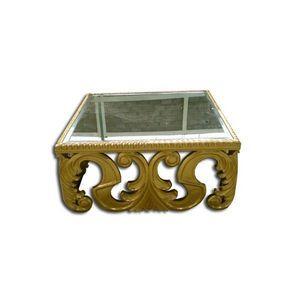 DECO PRIVE - table basse baroque sculptee en bois doree - Table Basse Carrée