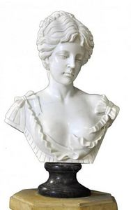 Demeure et Jardin - buste femme dénudée marbre blanc - Buste