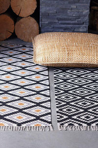 TM Interior -  - Tapis Contemporain