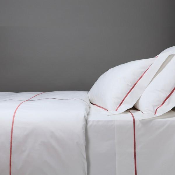 pauline parure de lit blanc d 39 ivoire decofinder. Black Bedroom Furniture Sets. Home Design Ideas
