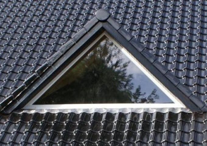 HOUTEAUFenêtre de toit - ATULAM | Decofinder