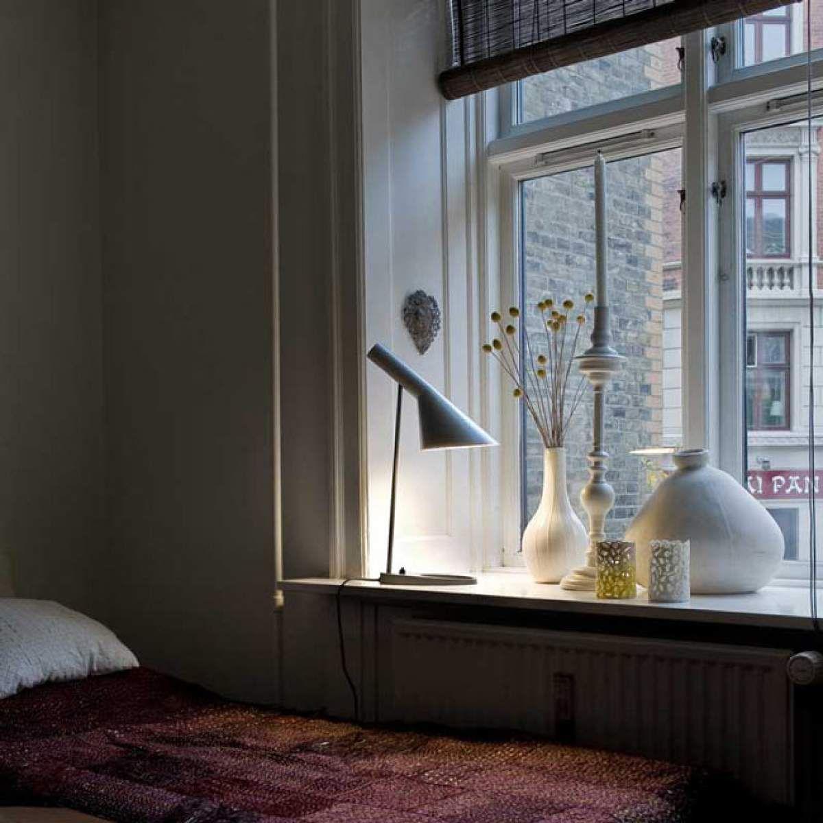 louis poulsen aj lampe poser design griselampe. Black Bedroom Furniture Sets. Home Design Ideas