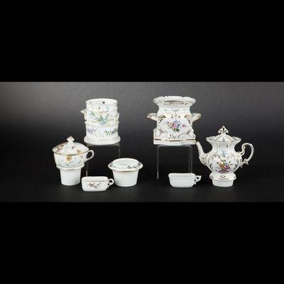 Expertissim - Tisanière-Expertissim-Deux tisanières en porcelaine