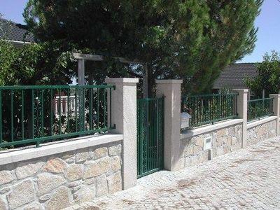 Lusitane - Cl�ture pleine-Lusitane-Granit cloture Provence
