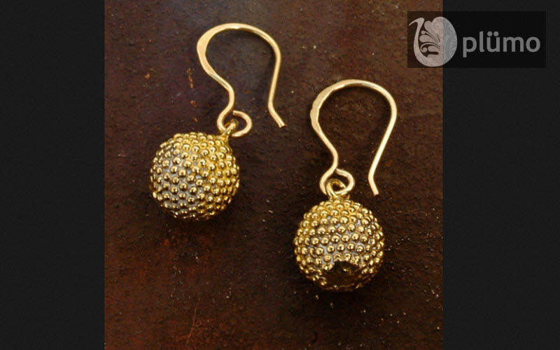 Plumo Earring Jewelry Beyond decoration  |