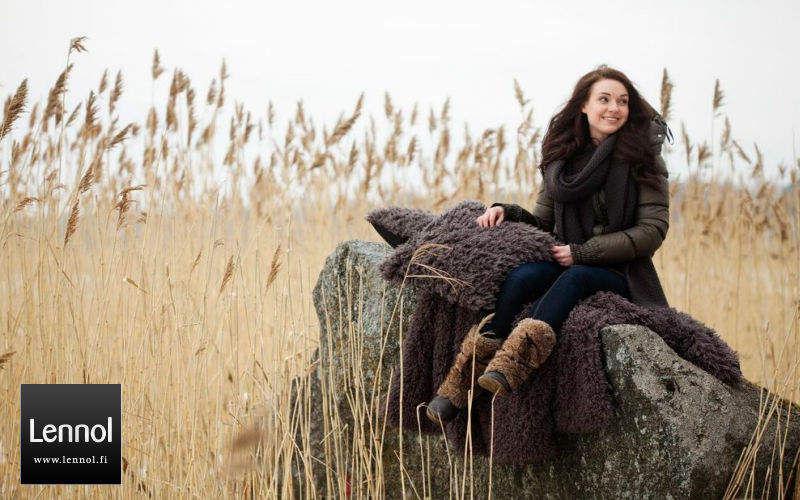 Lennol Tartan rug Bedspreads and bed-blankets Household Linen Bedroom | Design Contemporary