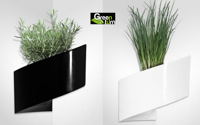 GREEN TURN Wall mounted planter Window box Garden Pots  |
