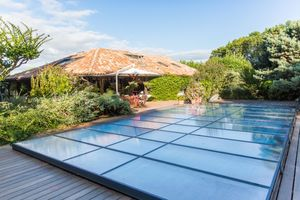 Abrideal - pattio - Flat Motorised Swimming Pool Shelter