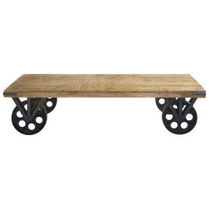 Coffee table with casters