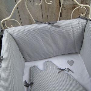 Stinker Butt Crib bumper pad