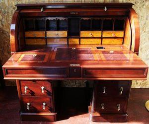 La Timonerie Antiquités marine -  - Cylinder Desk