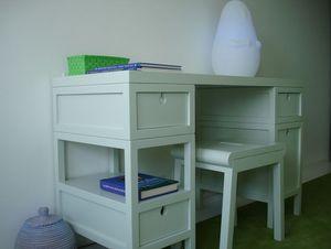 MADAKET -  - Children's Desk