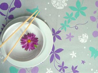 FLEUR DE SOLEIL - nappe enduite volubilis violet 160x160 - Coated Tablecloth