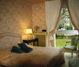ADEQUAT-TIssUS -  - Bedroom