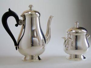 MG et MONTIBERT -  - Teapot