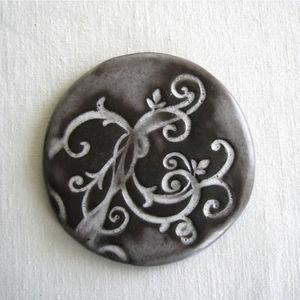 TERRE COLORÉE - dessous de plat galet céramique - arabesque - blan - Plate Coaster
