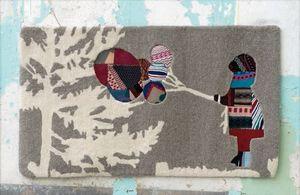 LECONS DE CHOSES - petite fille au ballon - Children's' Rug
