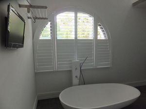 JASNO - shutters persiennes mobiles cintré - Interior Blind