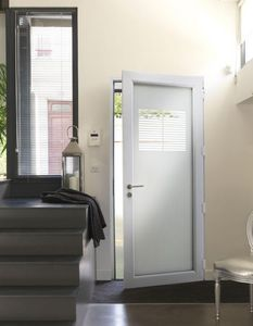 K Par K - persienne - Entrance Door