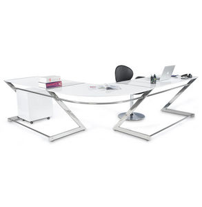 Angle desk