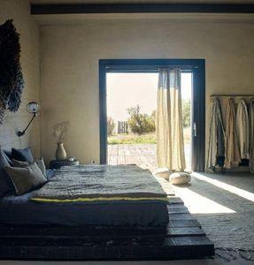 Maison De Vacances -  - Hooked Curtain