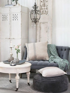 CHIC ANTIQUE - 2017 - Living Room Furniture